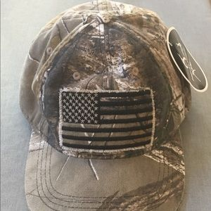 REAL TREE X tra camouflage Hat with American Flag